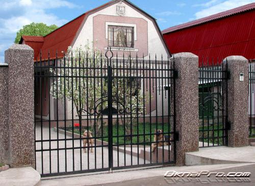 Распашные ворота идеальное решение
